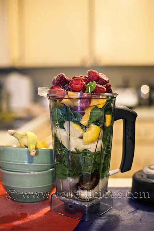 green-smoothie-recipe-ok-to-be-green-3