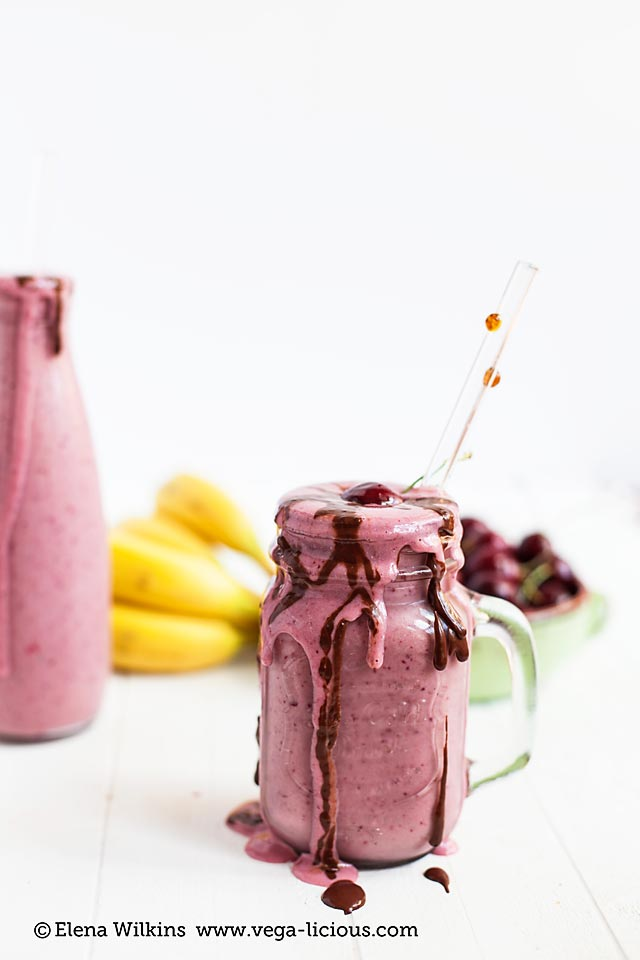 chocolate-cherry-smoothie_008